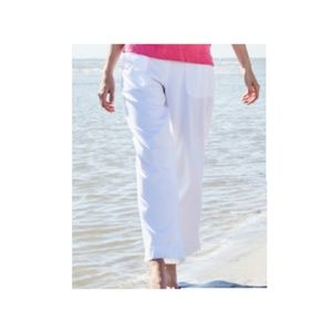 Pants - WHITE CAPRI  PLUS SIZE PANTS 20 2X